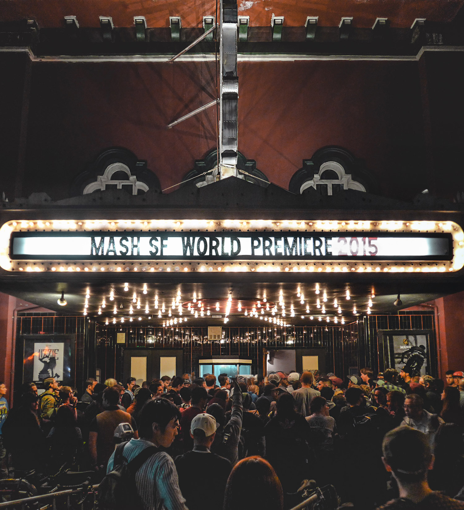 MASHSF_10Year_WorldPremiere2015_FullHouse