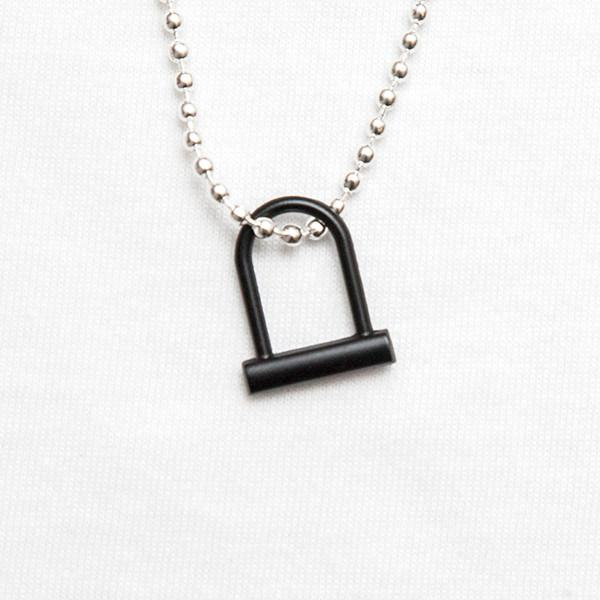 ulock_necklace_black_grande